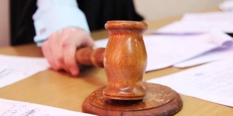 Депутата заксобрания удалили из зала суда