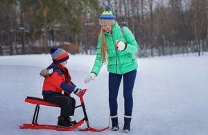 Девушка с ребёнком. Зима