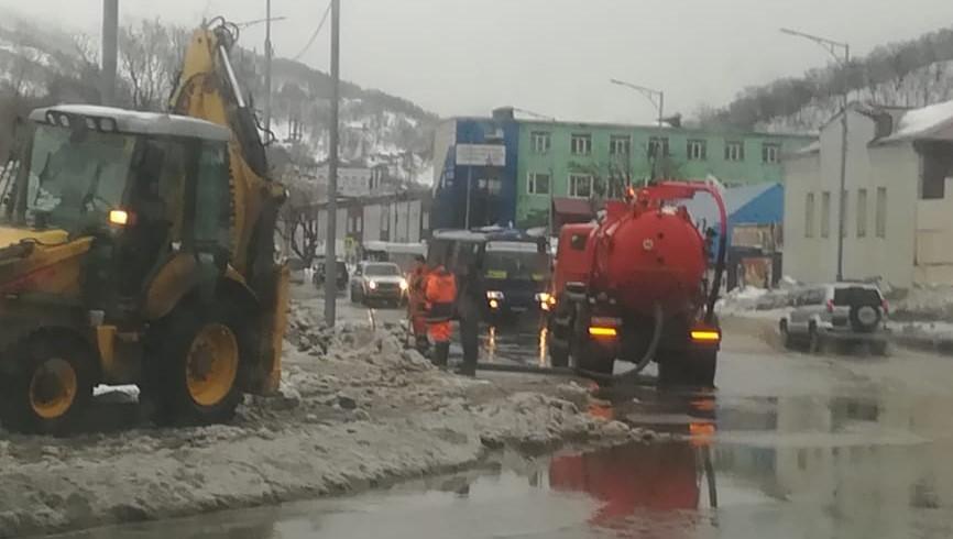В Петропавловске устраняют последствия циклона