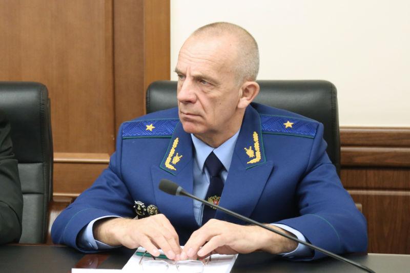 Прокурор принял участие в сессии заксобрания