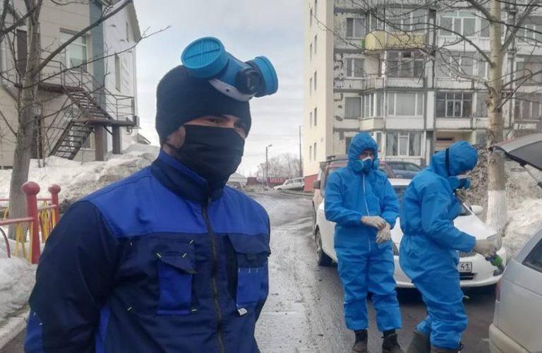 Подъезды жилых домов в Петропавловске дезинфицируют управляющие компании