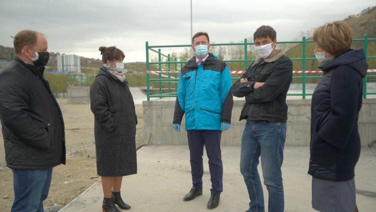 Глава Петропавловска проверил готовность открытого скейт-парка