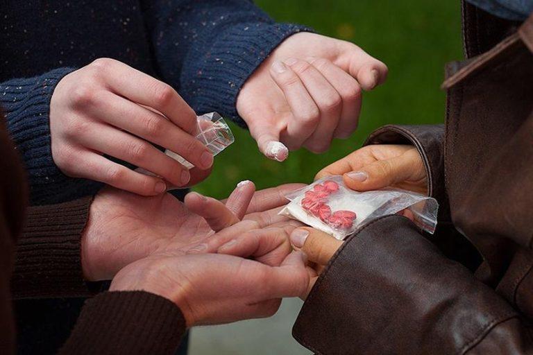 За хранение наркотиков в крупном размере задержан подросток