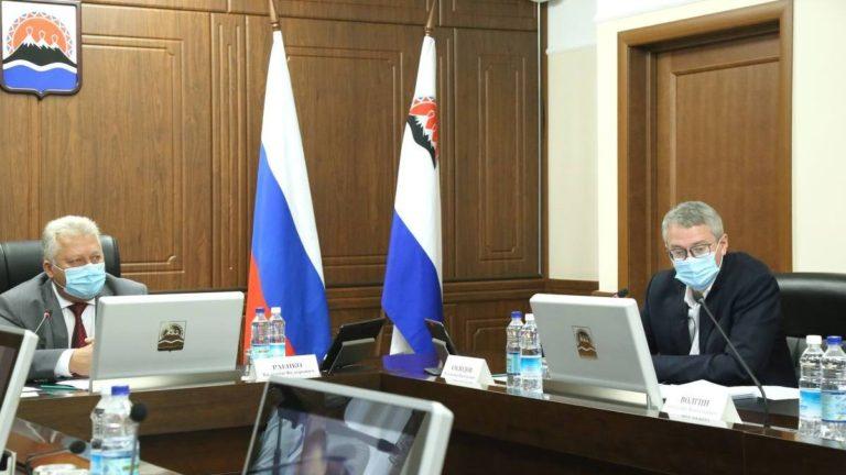 Краевые депутаты по инициативе врио губернатора снизили транспортный налог для камчатцев