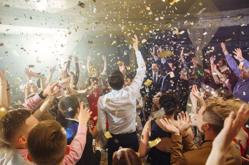 Родители школьников организовали выпускной вечер
