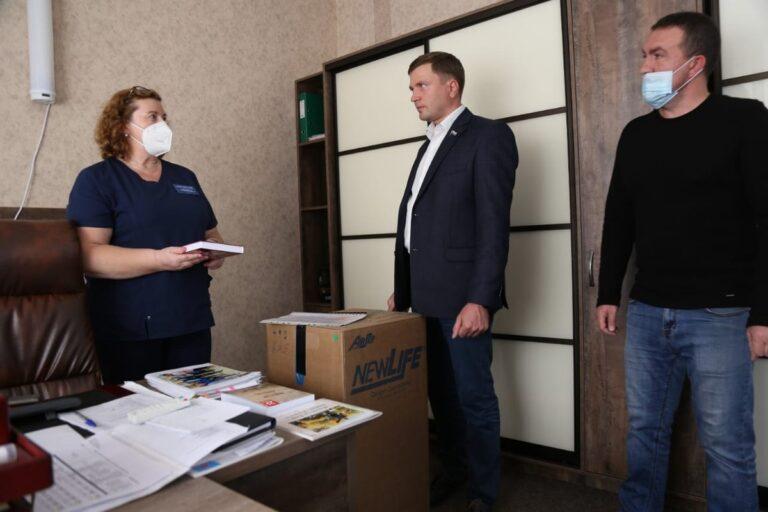 Камчатские депутаты оказывают помощь медикам края